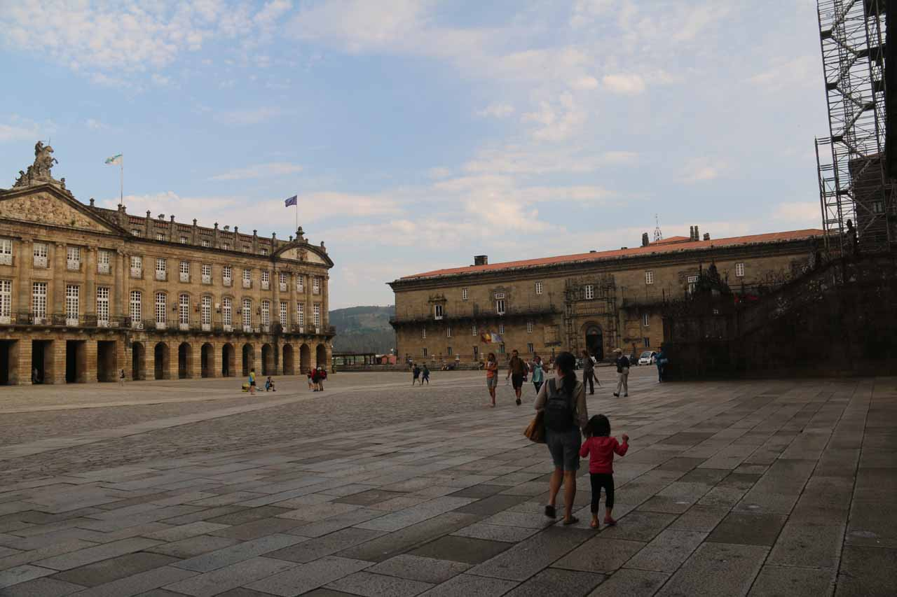 Back at the Praza do Obradoiro and about to enter the museum for Catedral de Santiago de Compostela