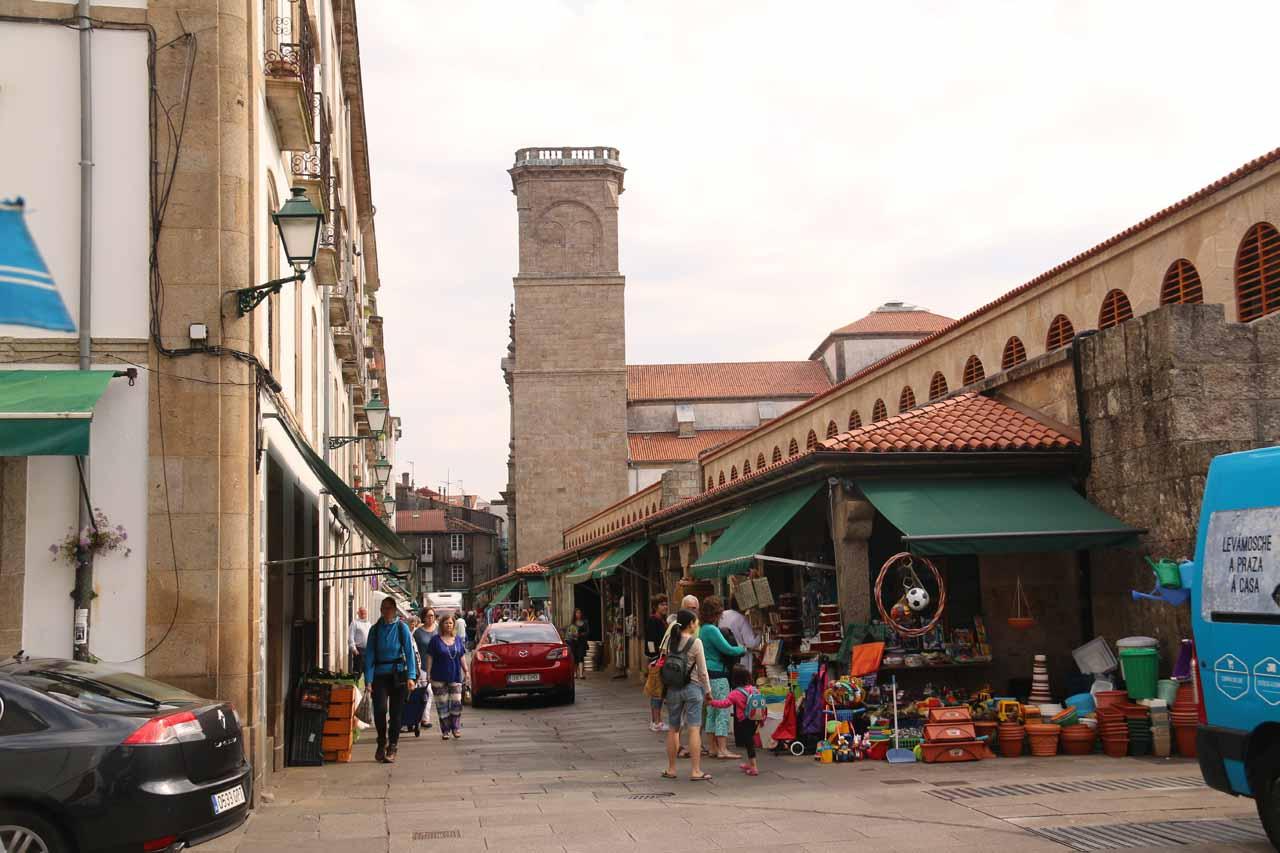 Julie and Tahia checking out the Mercado de Abastos