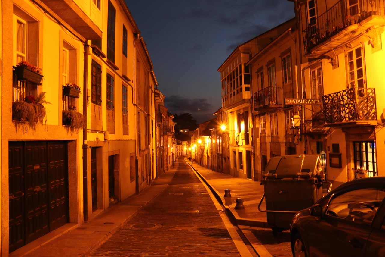 Back on Rua das Hortas after leaving the Restaurante Las Huertas