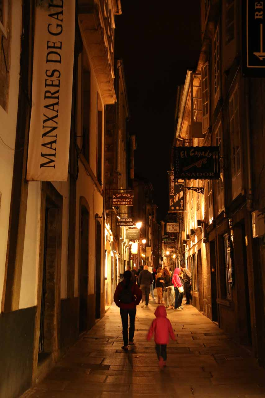 Now back at Rua do Franco with our jumpers, but the street seemed to be less atmospheric than it was last night