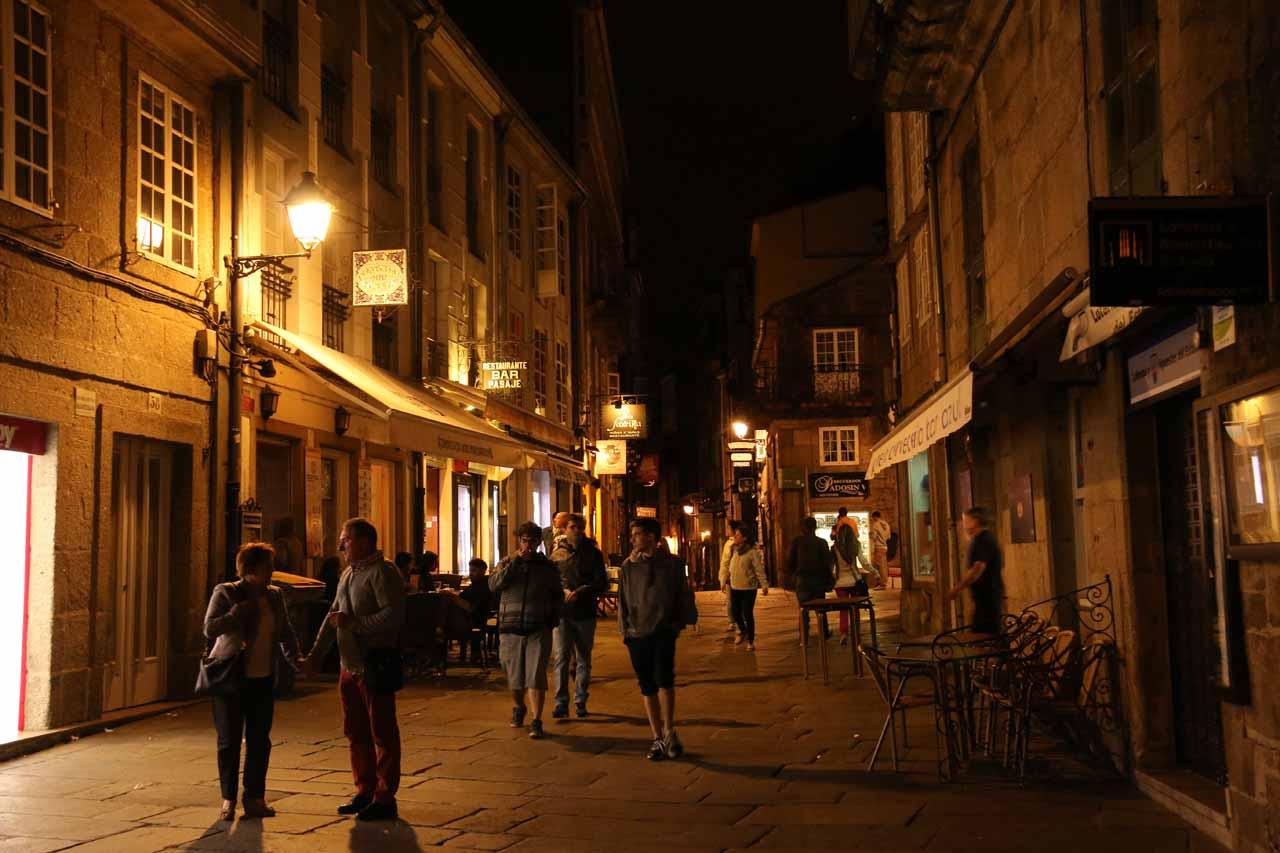 Exploring Rua do Franco on this chilly night in Santiago de Compostela