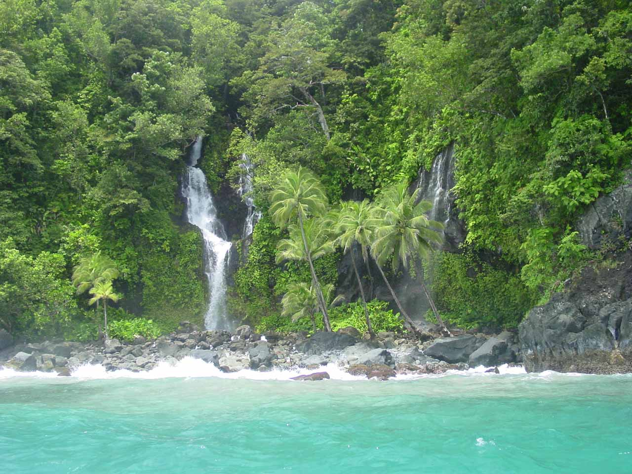 A pair of falls on the Ravilevu Coast not far from the Savulevu Yavonu Waterfall