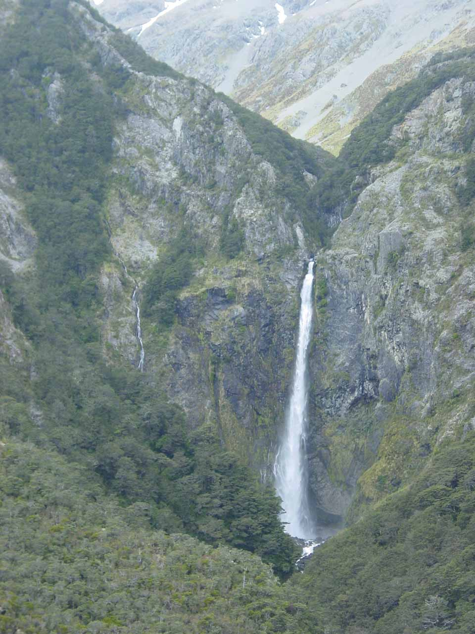 View of Devils Punchbowl Falls and some stringier companion waterfalls