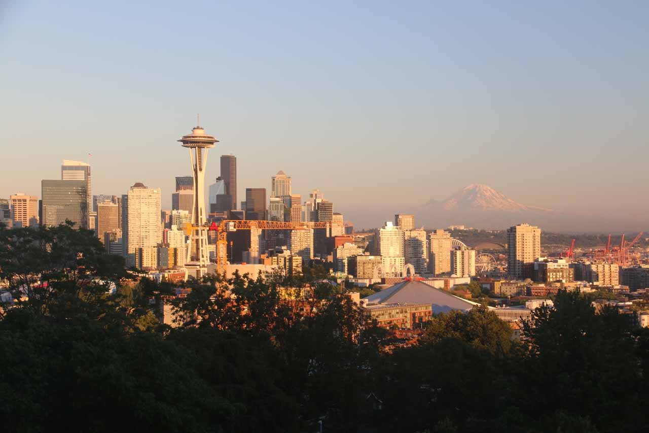 Finally, for that quintessential view of the Seattle skyline backed by Mt Rainier, we had to go to Kerry Park in the late afternoon on a good weather day