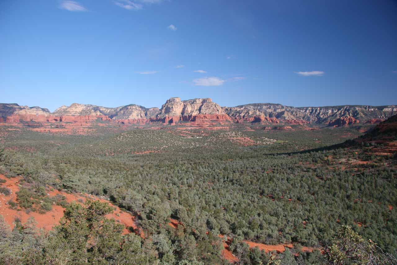 Very expansive view of Sedona's cliffs from the Devil's Bridge Trail