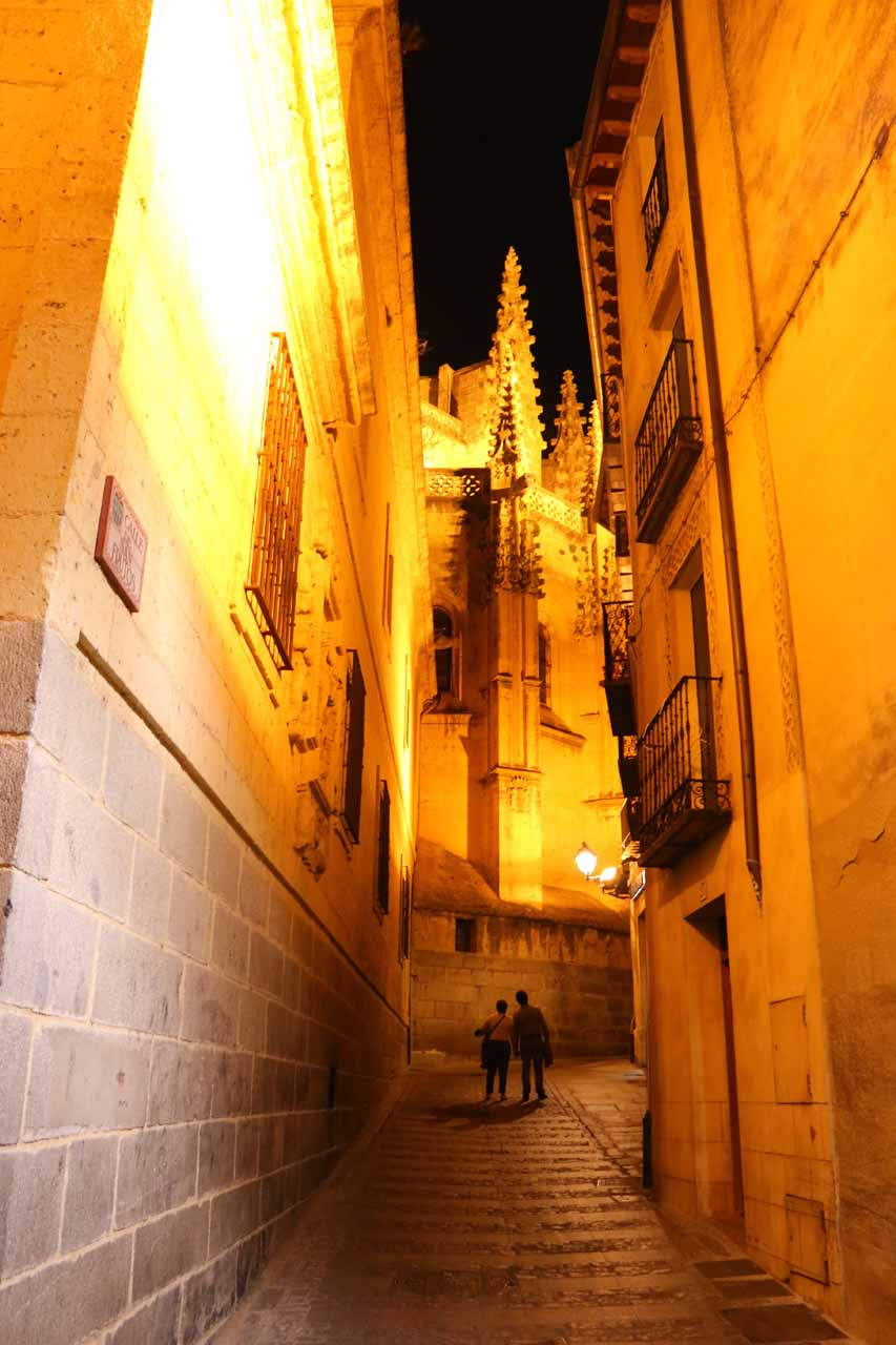 Wrapping up the loop hike to the Alcazar and back as I walked up this quiet lane near the Cathedral