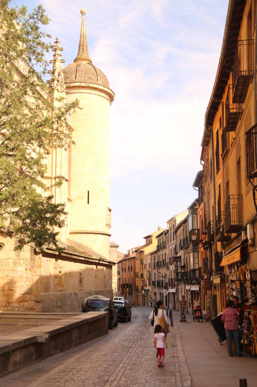 Julie and Tahia walking past the cathedral as we made our way towards the Alcazar de Segovia