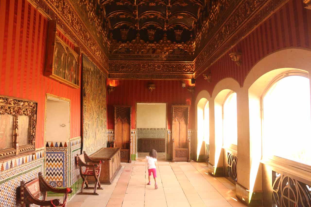 Tahia exploring the hallways of the Alcazar de Segovia