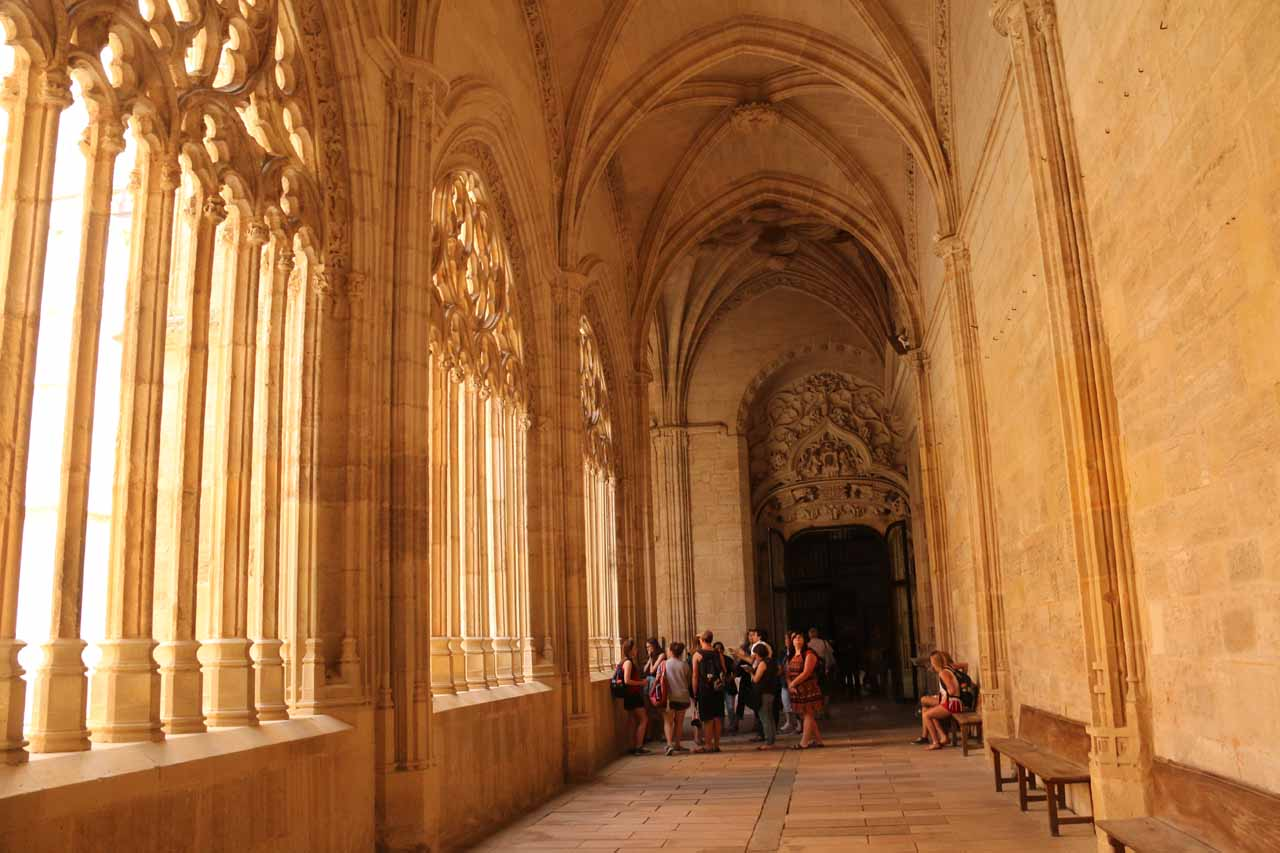 One of the grand corridors surrounding the courtyard within the Catedral de Segovia