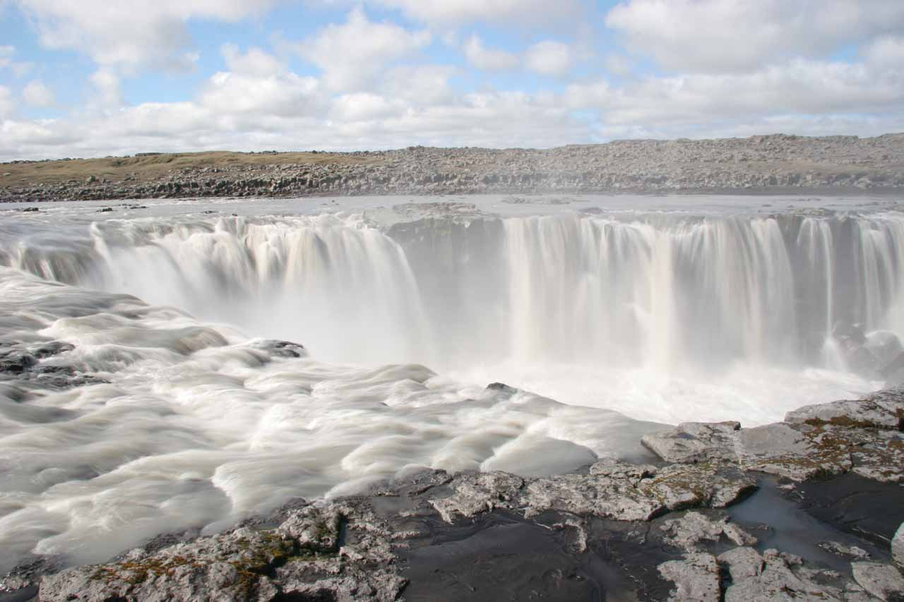 Closer look at the horseshoe shape of Selfoss