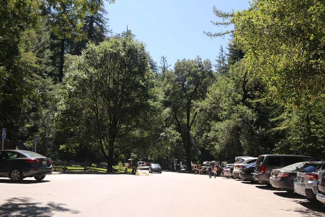 Sempervirens_Falls_001_04222019 - The parking lot by the Big Basin Park Headquarters