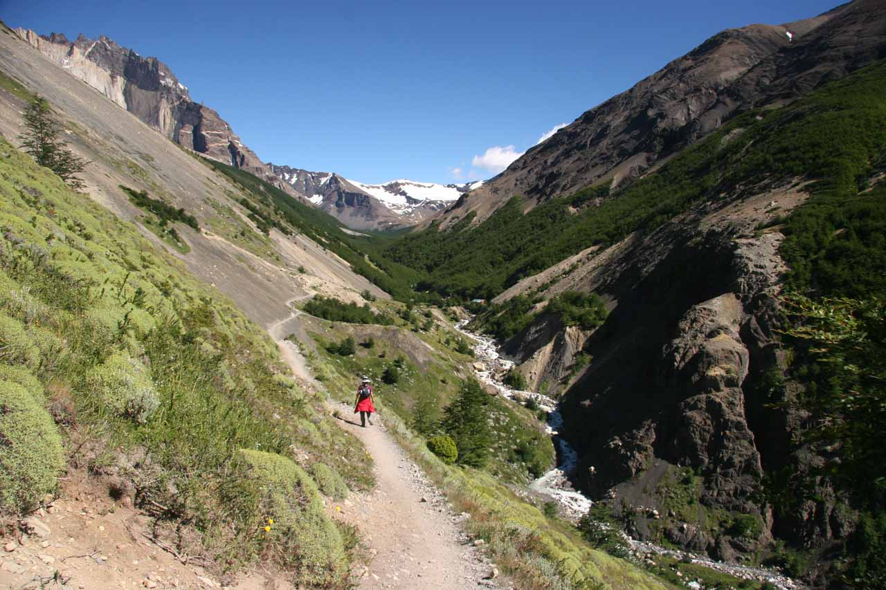 Skirting the gorge to get to Las Torres