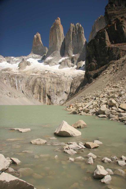 Sendero_Torres_del_Paine_133_12252007