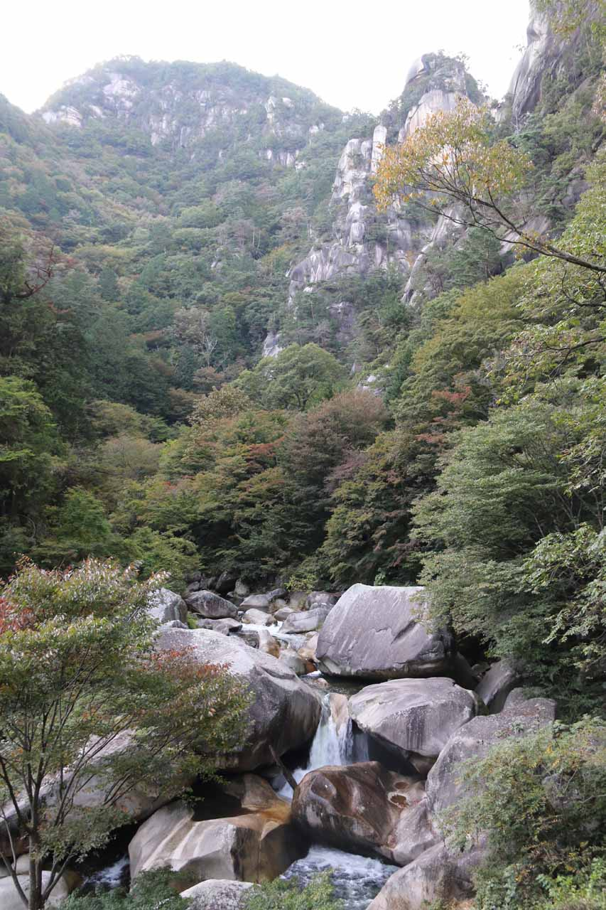 On the return hike, we got to experience the Shosenkyo Gorge scenery all over again
