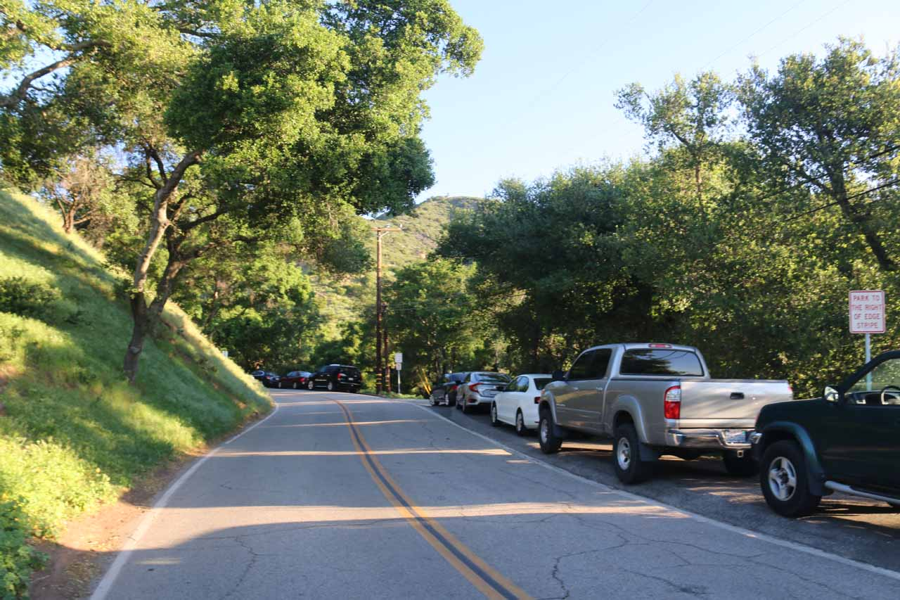 Already a lot of cars parked along Tunnel Drive on the way to Seven Falls and Inspiration Point
