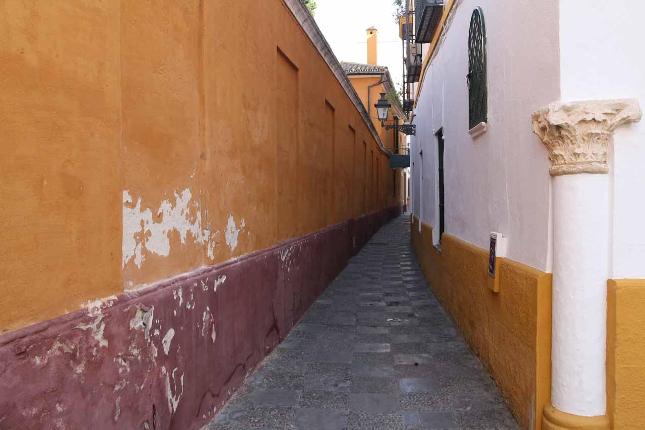 A narrow alleyway that we weren't sure was the way to the Real Alcazar de Sevilla