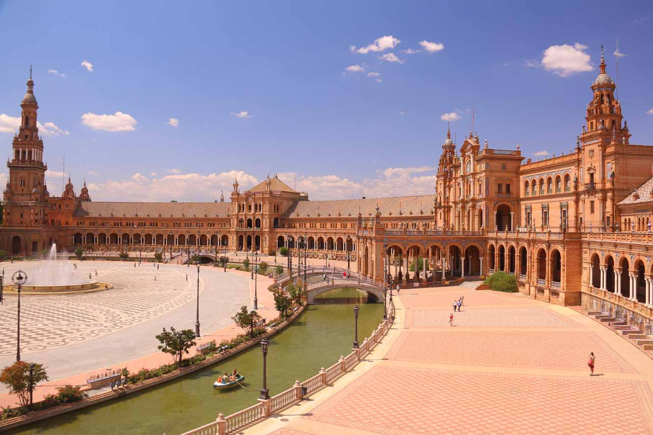 At a higher vantage point checking out the grand Plaza de Espana