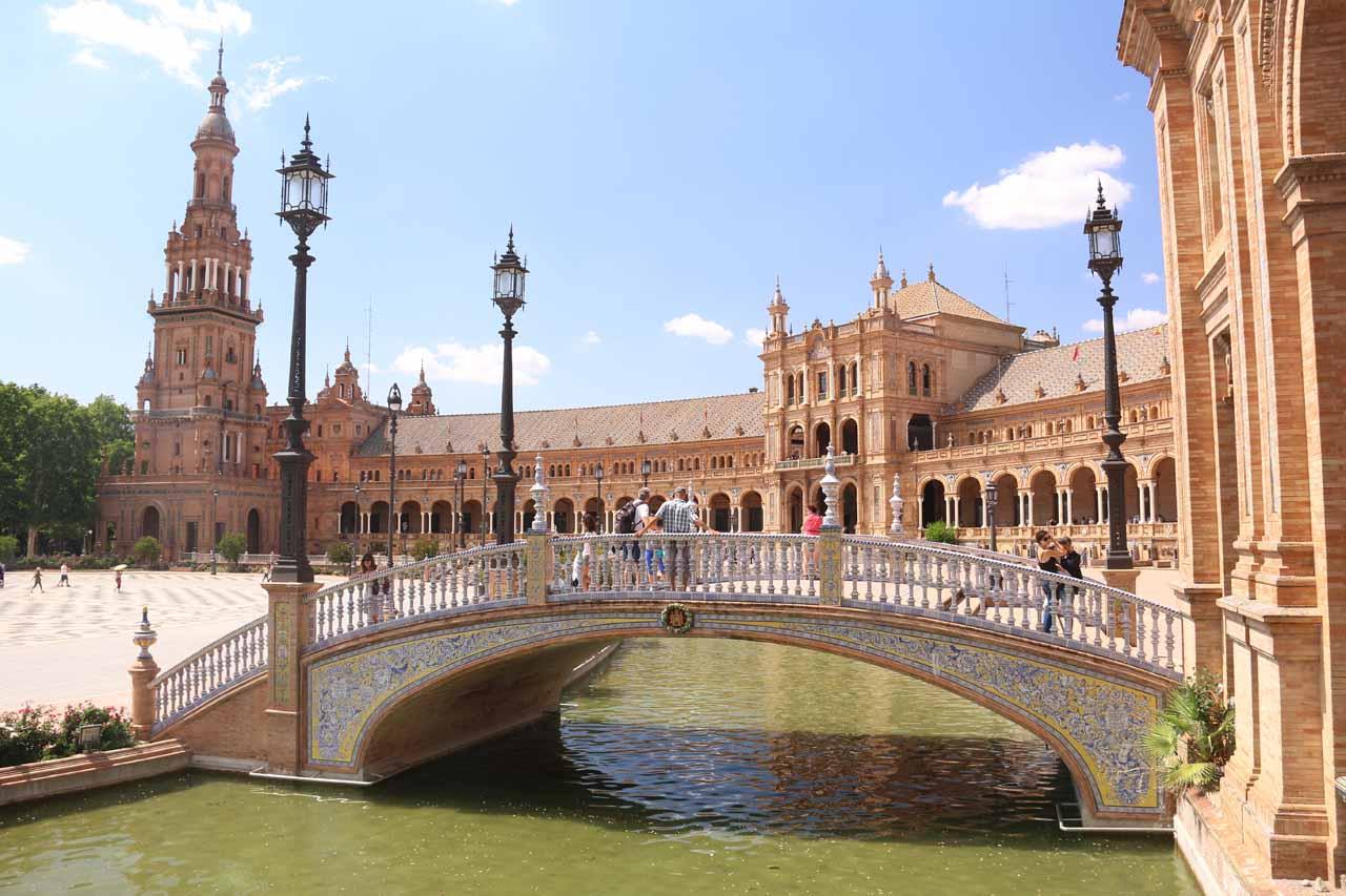 Bridge over pond in the Plaza de Espana