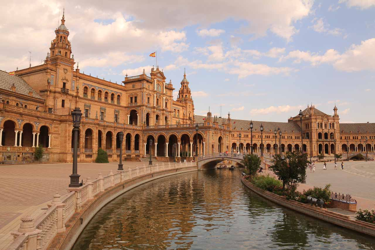 The city of Sevilla was full of sights, and perhaps one of the most impressive was the Plaza de España, which very much reminded me of the Republic in Star Wars