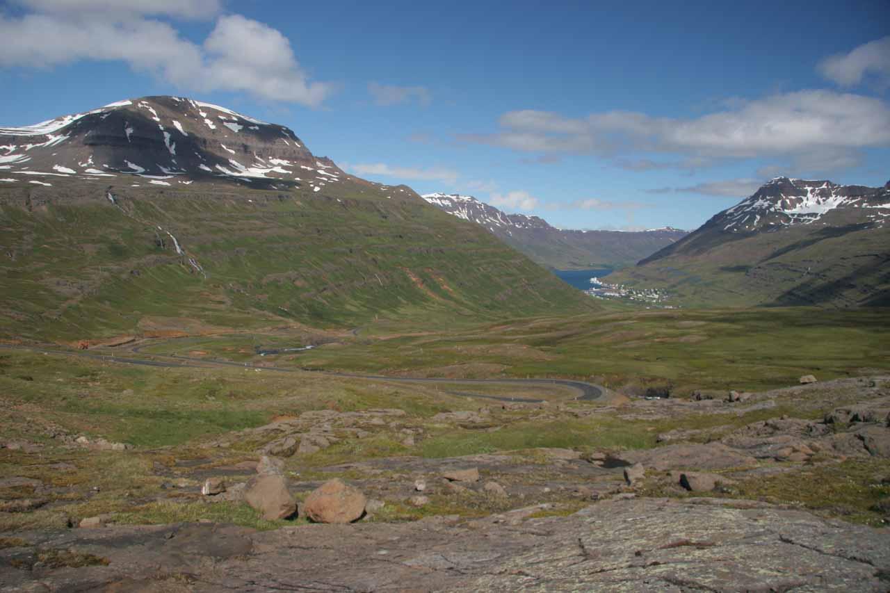 Full contextual view of Seyðisfjörður from the pass