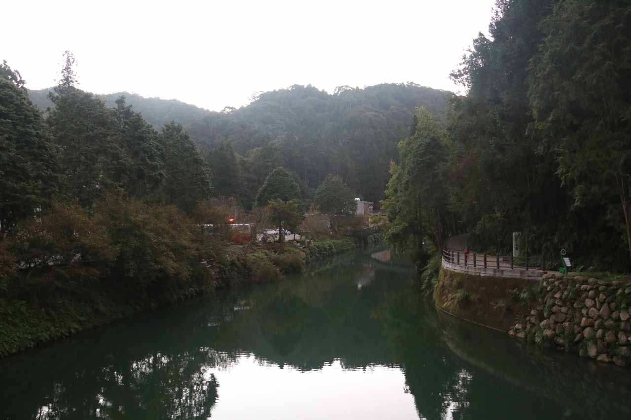 Looking upstream from the road towards the Theme Hall area of Shanlinhsi