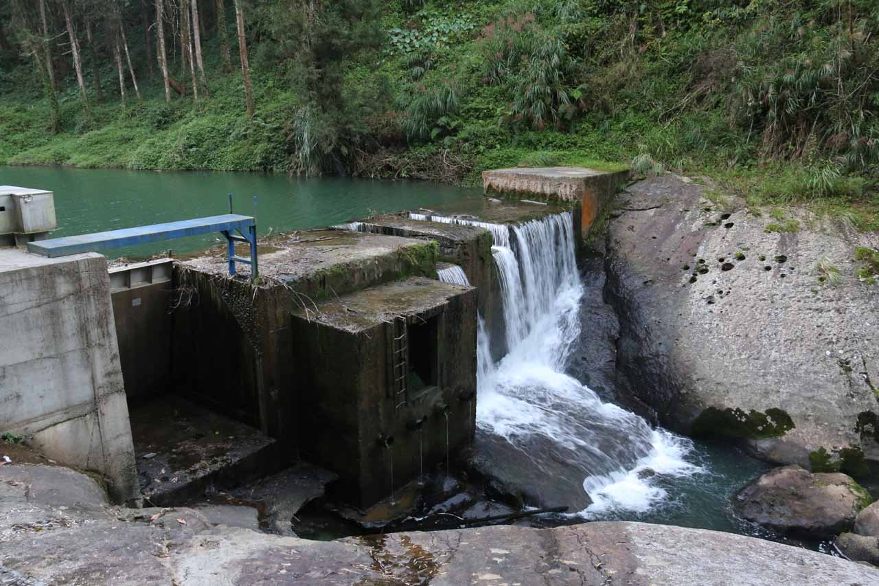 A man-made dam contraption along the Shyring Trail