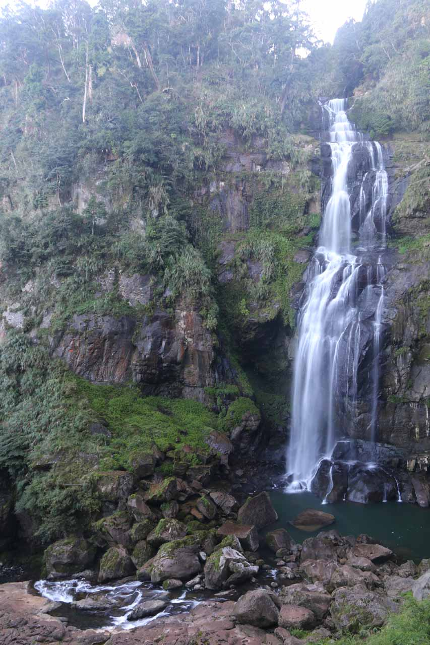 Direct frontal look of the Chinglong Waterfall from near its bottom