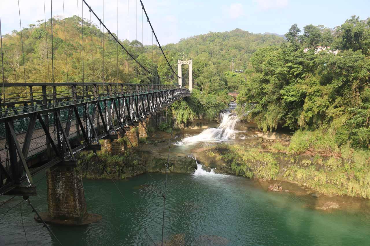 Looking back towards the Yanjingdong Waterfall or Eyeglasses Waterfall after having crossed the Keelung River