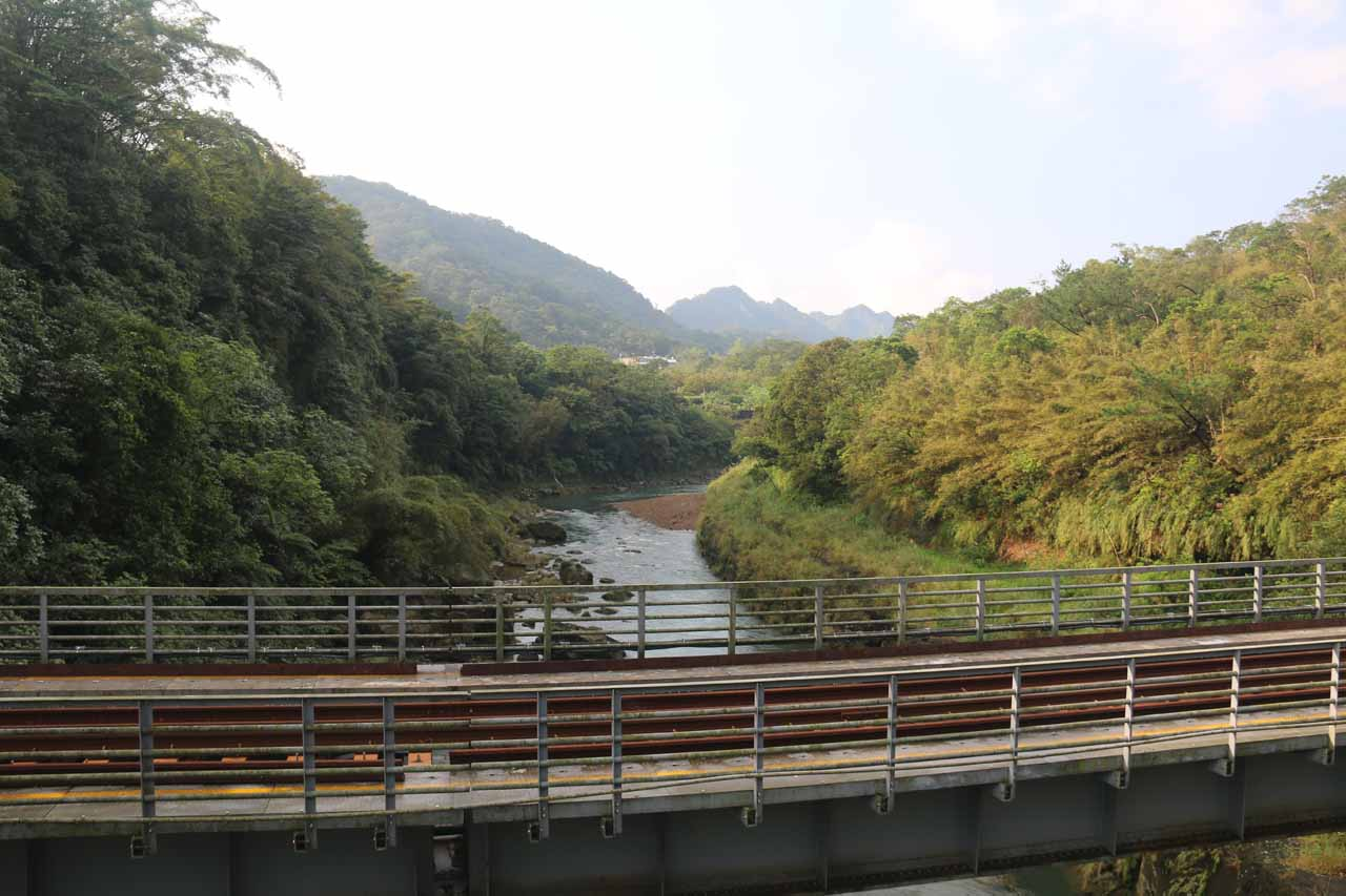 Looking upstream along the Keelung River across the Pingxi Railway while crossing the suspension bridge