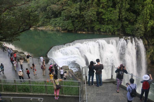 Shifen_Waterfall_325_11042016 - Lots of people showing up to the Shifen Waterfall about an hour after opening time, which was a big drawback of their late opening time