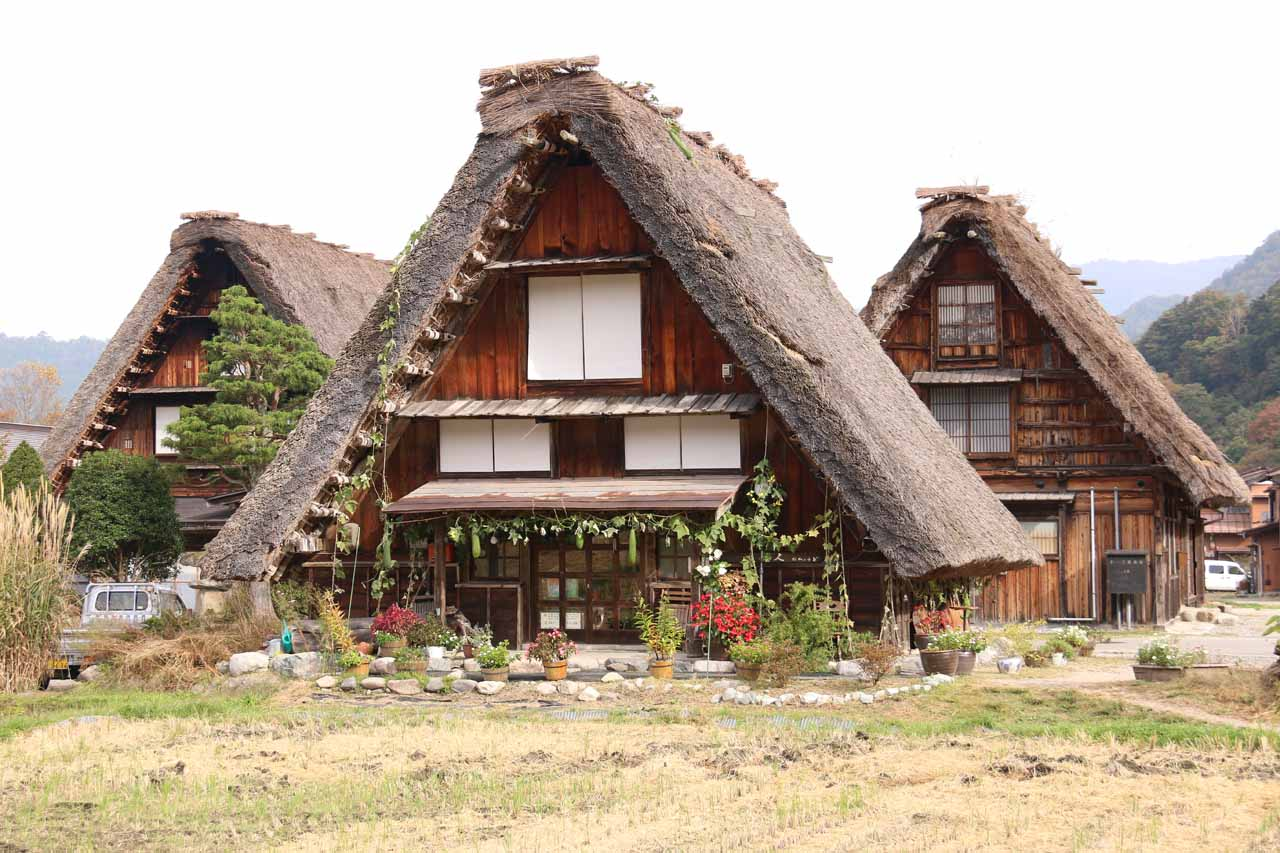 About 58km north of Amida Falls was Ogimachi, which was one of the traditional villages of the Shirakawago perhaps most famous for their thatched straw rooftops
