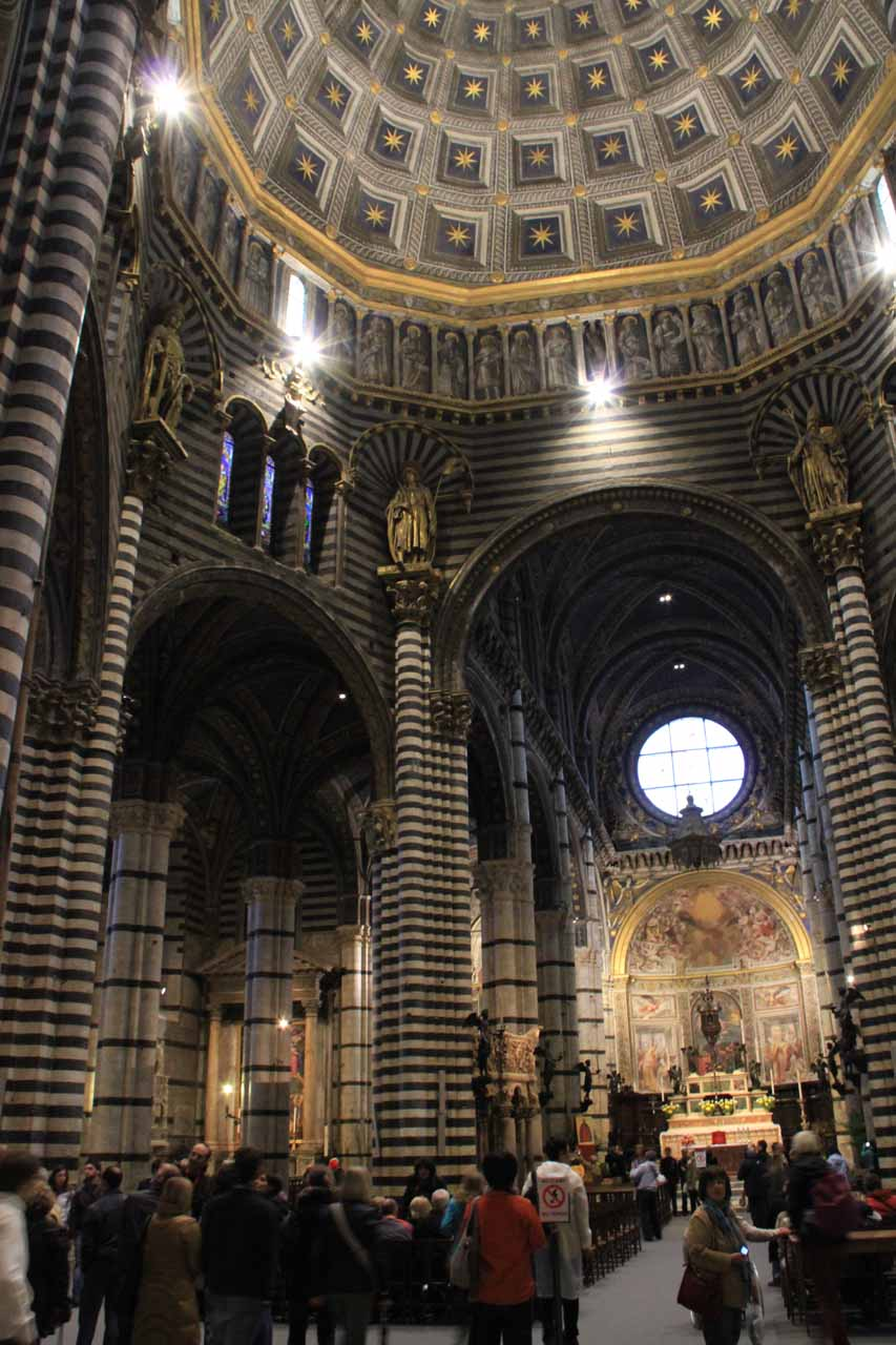 Tall ceilings are obviously a standard feature of grand cathedrals, basilicas, and churches as we've come to realize, and Siena's was no exception