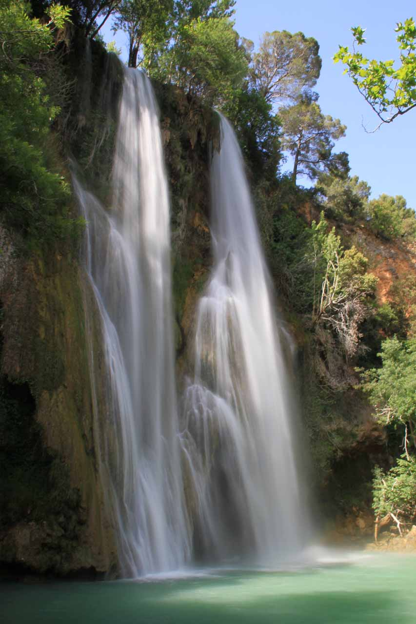 Sillans-la-cascade (The Sillans Waterfall)