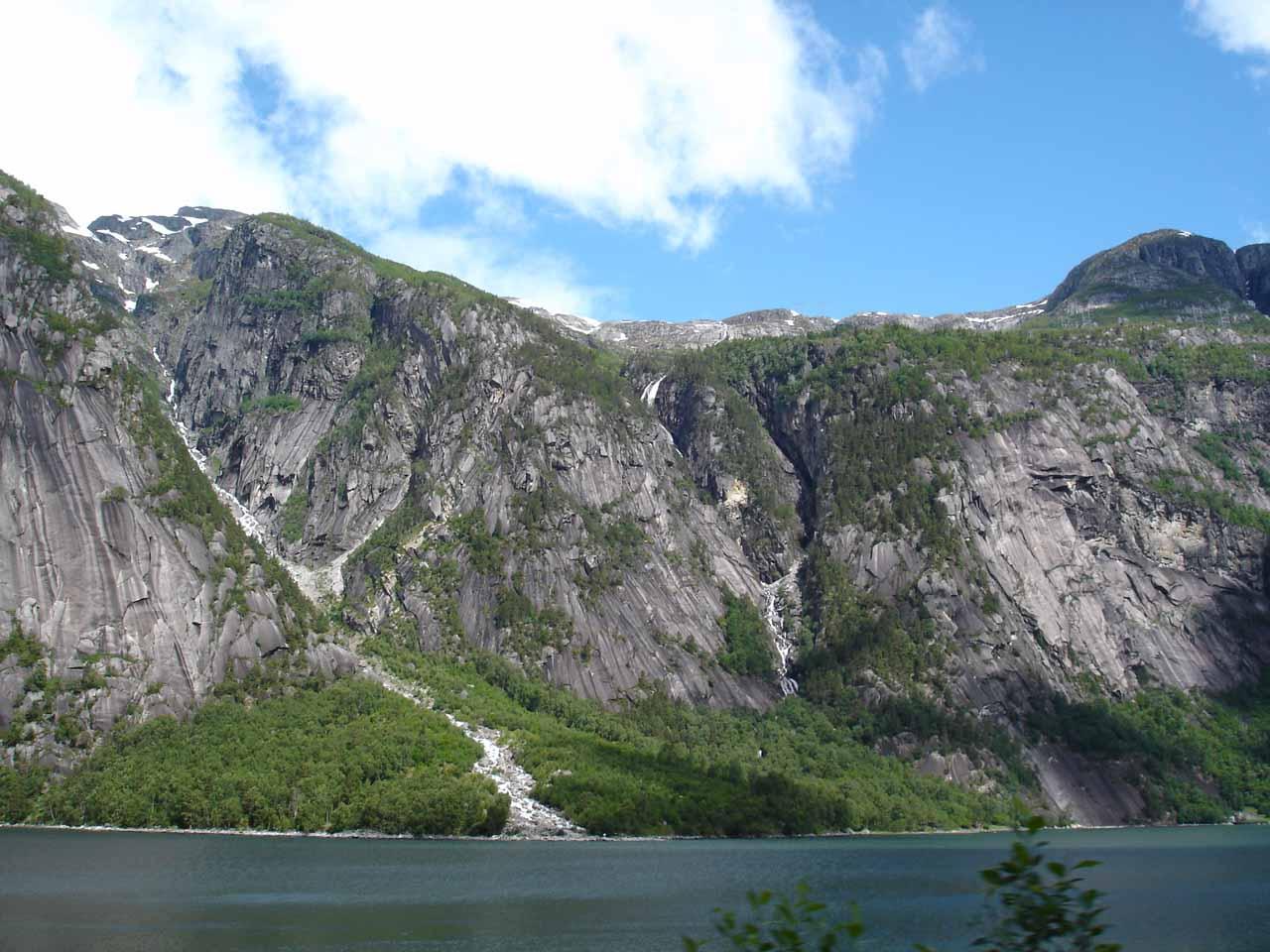 Looking across Simadalsfjorden towards some thin cascades as we headed towards Simadalen