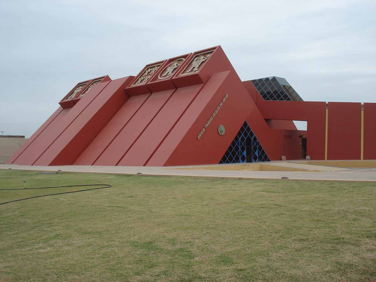 The maroon pyramid of the museum of Sipan