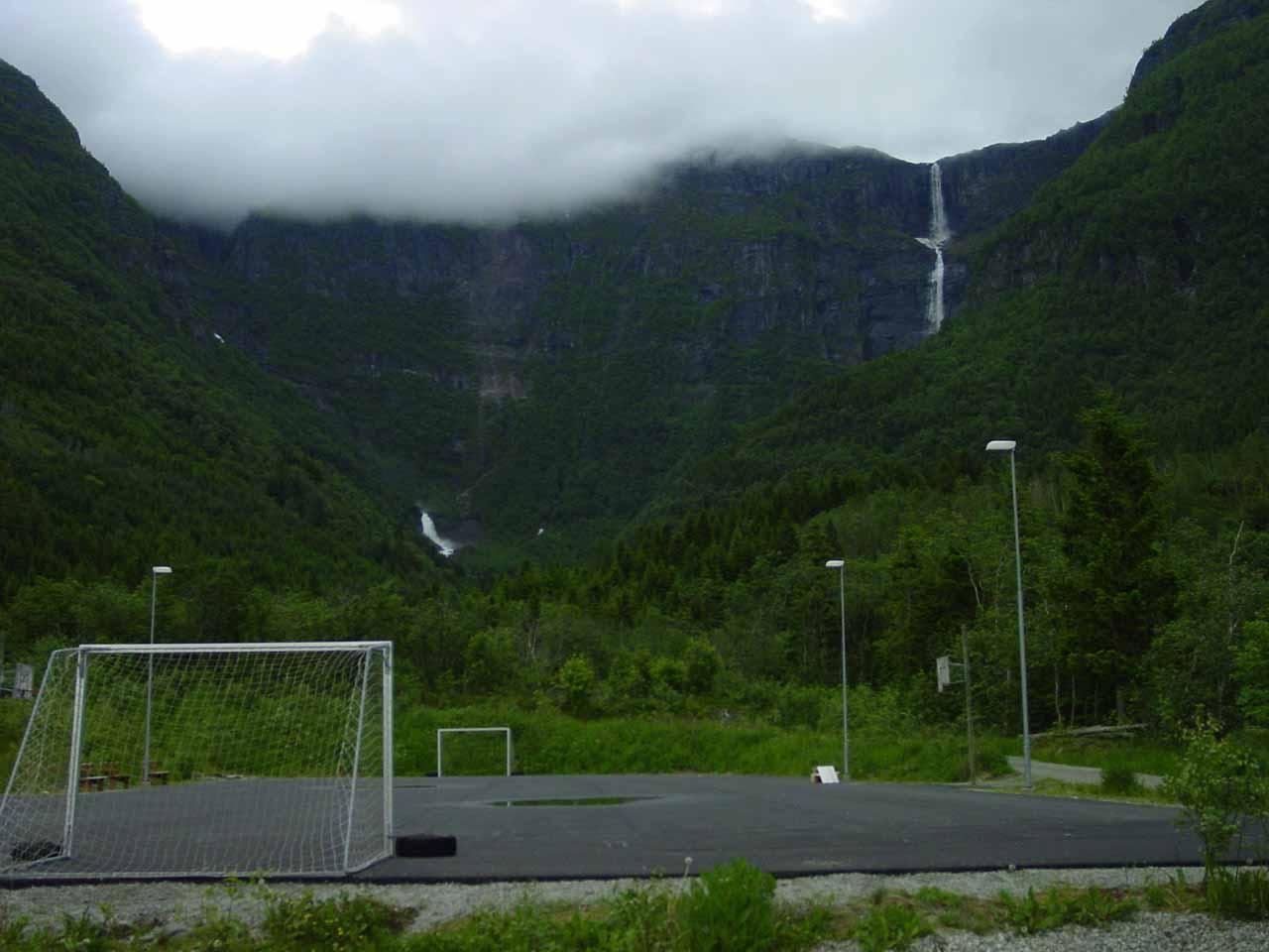View of both Skrikjofossen (right) and Opofossen (left) seen from behind a field belonging to what I think was the school in Elvedalen