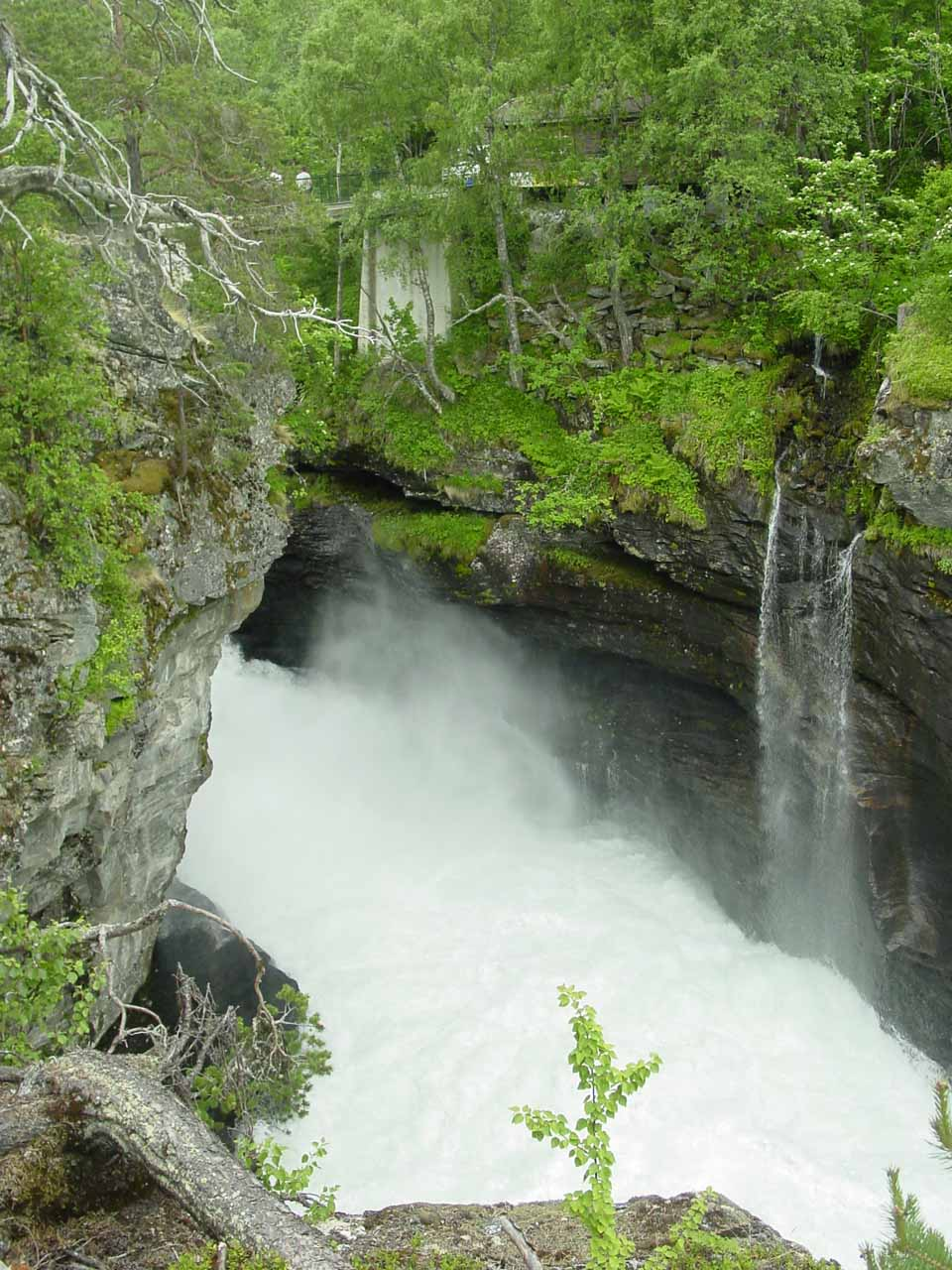 Our first look at the turbulence of Slettafossen