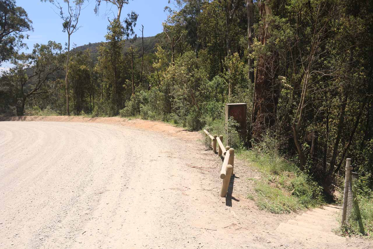Context of the unsealed road adjacent to the walking track leading to the Snobs Creek Falls