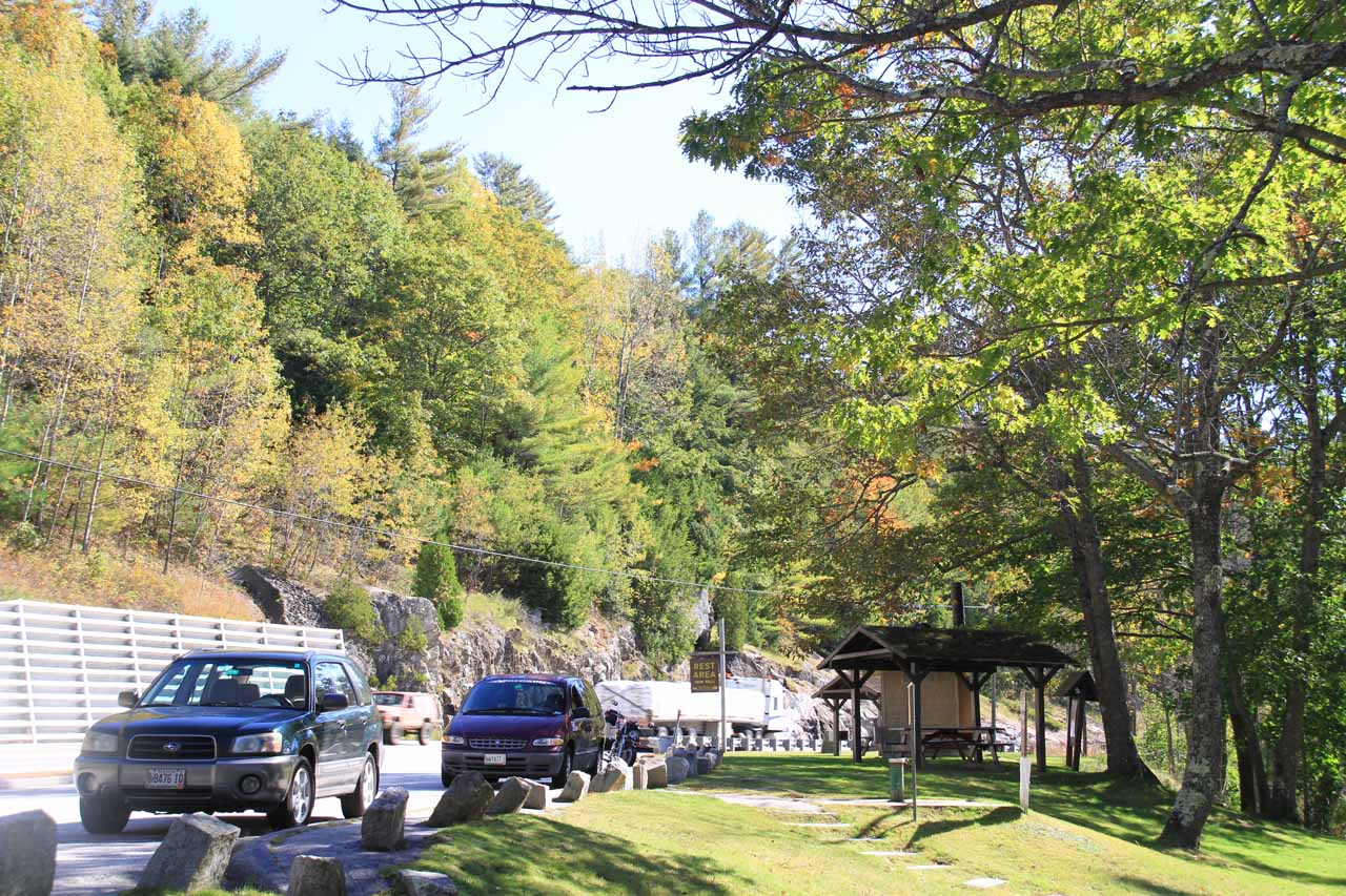 The car park and picnic area for the Snow Falls Rest Stop