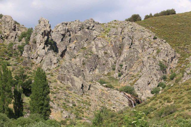 Somosierra_006_06052015 - Contextual look at the Cascada de los Litueros as we approached it