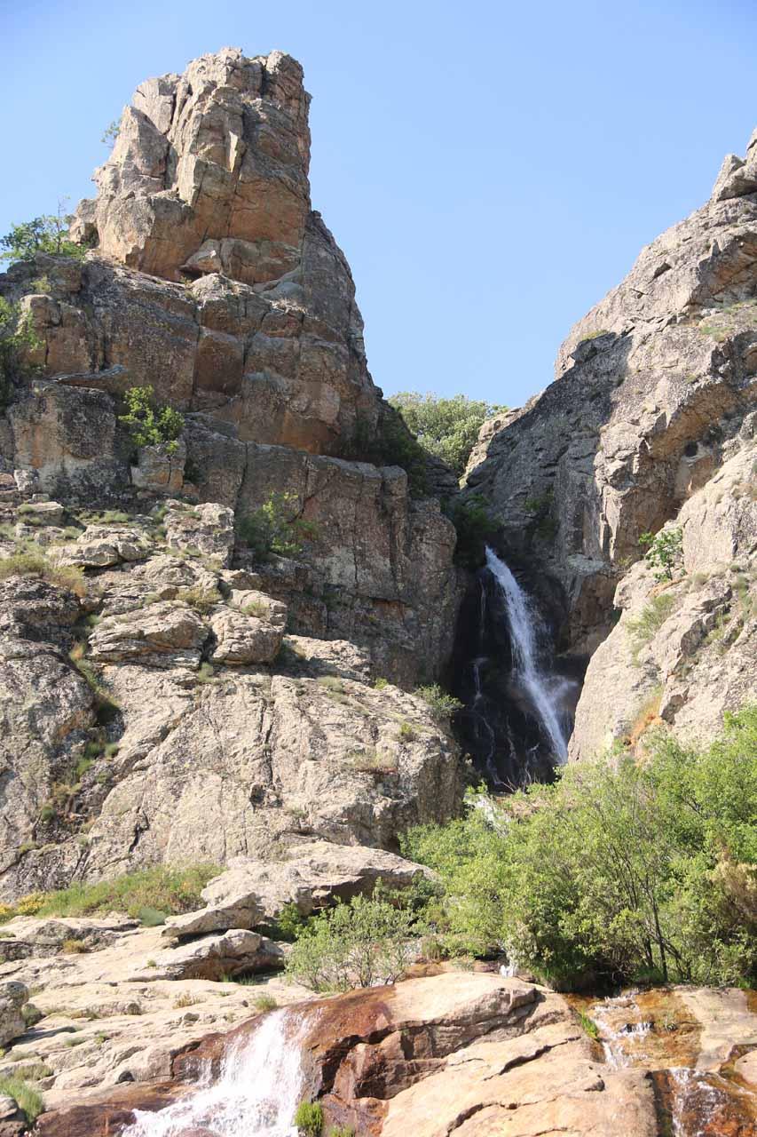 Focused on the upper tier of Cascada de Litueros