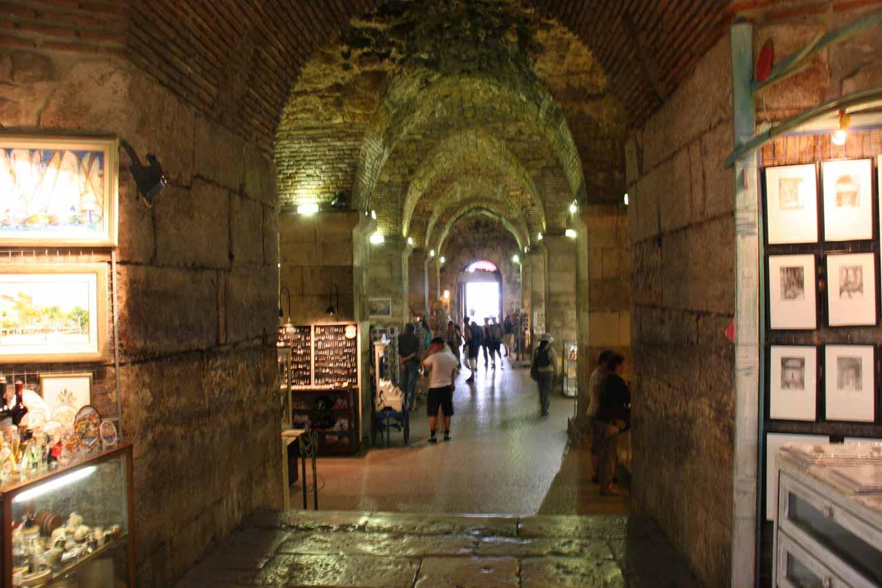 The vestibul