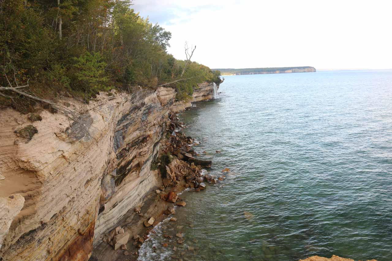 Looking right along the cliffs towards Spray Falls