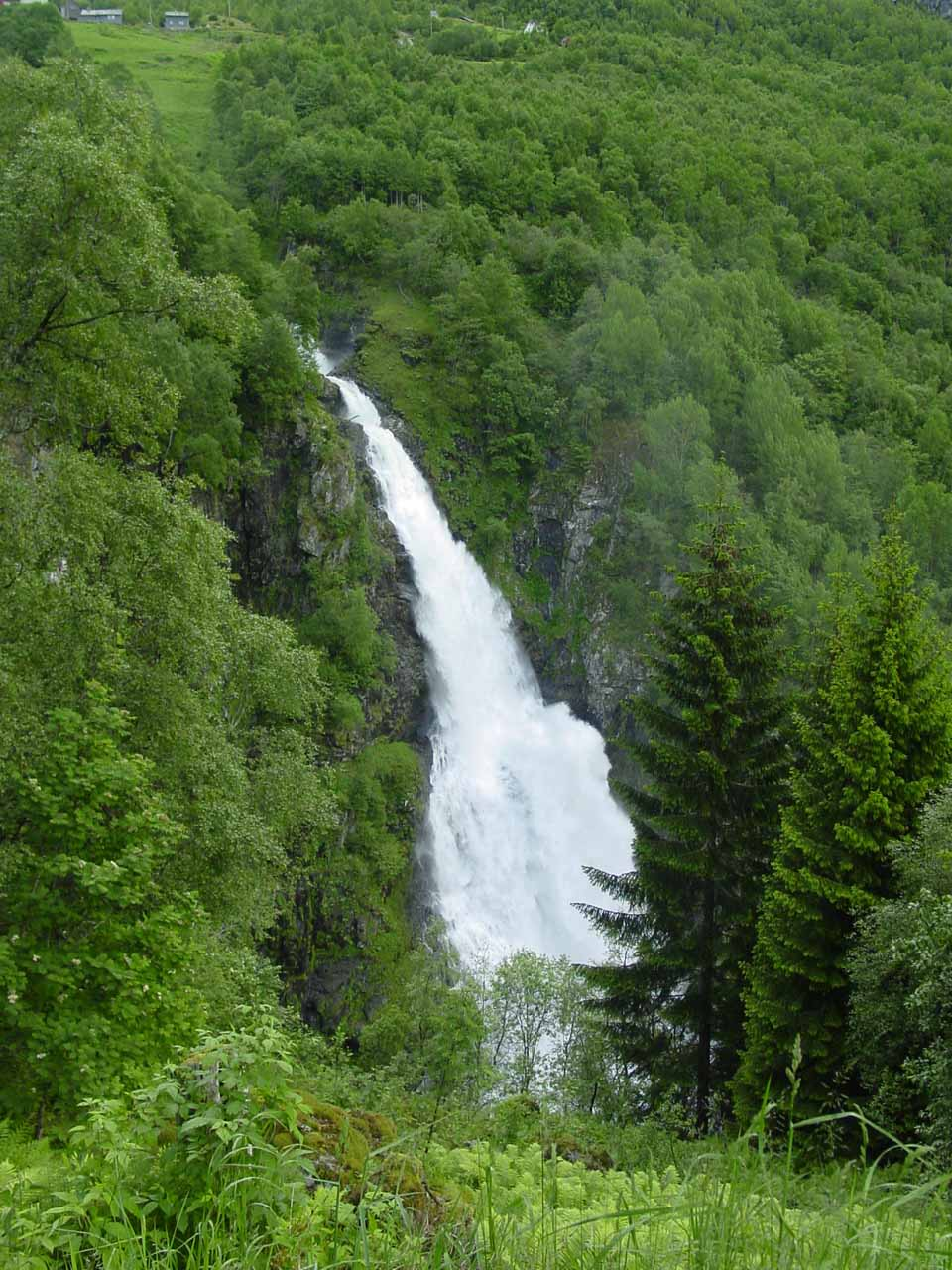This was the companion waterfall to Stalheimsfossen on the Stalheimskleiva called Sivlefossen