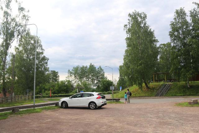 Stalpet_004_06142019 - The car park by the Stalpets Cafe and Hantverk
