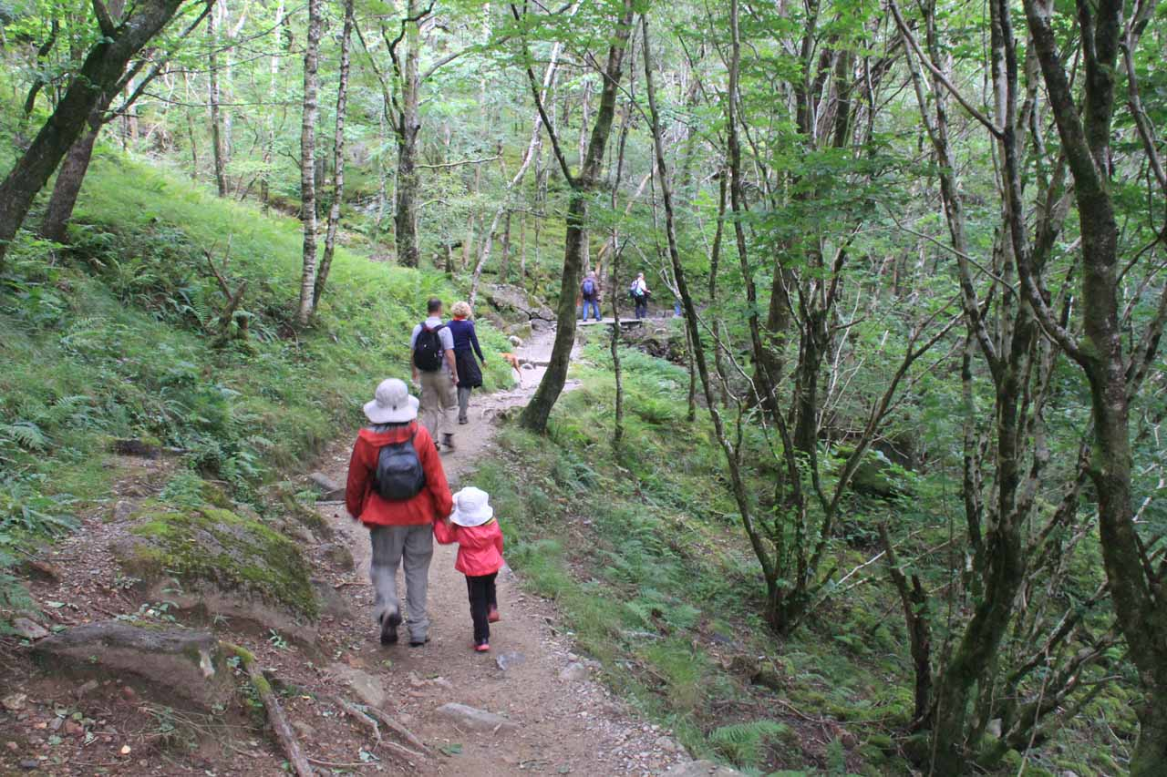 As you can see, this was quite a popular trail as there were numerous people ahead us, behind us, or going the other way