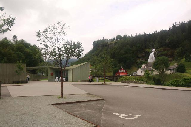 Steindalsfossen_001_06262019 - Looking towards the restroom and visitor center facility between the car park and Steinsdalsfossen