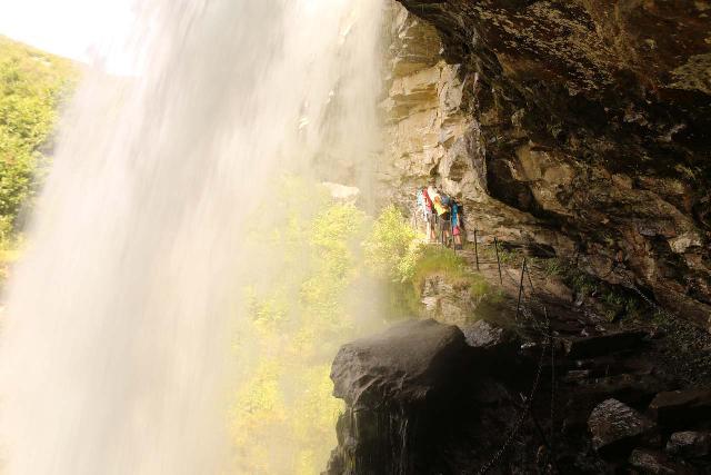 Storseterfossen_067_07182019 - The backside of the Storseterfossen waterfall