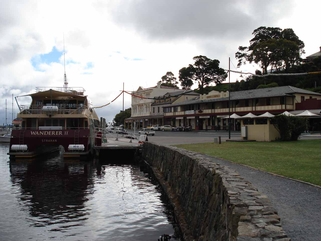 After visiting Hogarth Falls, Julie and I enjoyed a pretty relaxing stroll and fresh seafood at the Esplanade in the town centre of Strahan