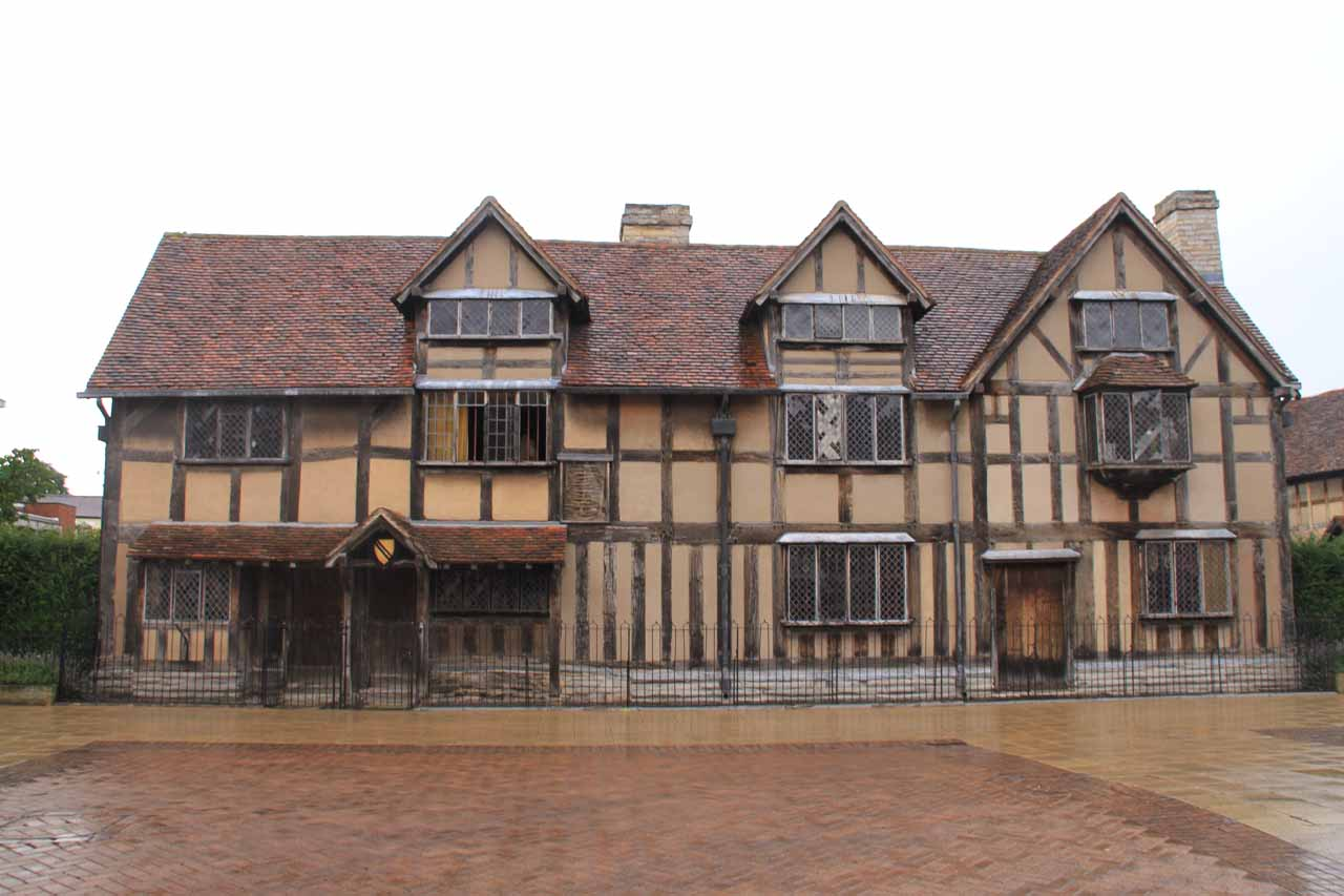 Looking directly at the house that Shakespeare was said to have been born in
